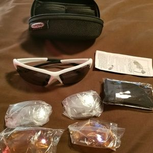 ea9bbeee85 Tifosi Optics Accessories - Tifosi Stelvio Sunglasses and changeable Lenses